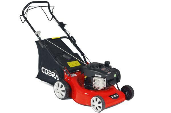 Cobra M40SPC Self-Propelled Petrol Lawn Mower